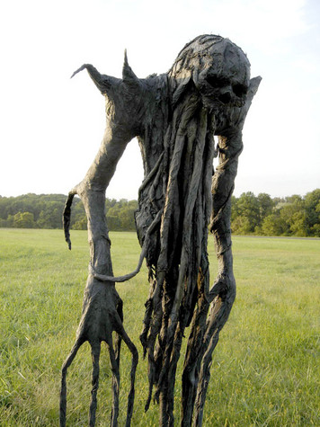 Now thats a proper Scarecrow!