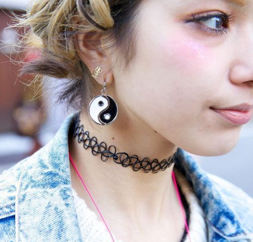 Who remembers these tattoo choker necklaces?